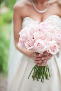 pink rose bouquet. wedding flowers.