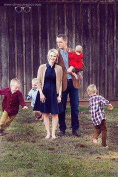 Luv this!! Family Photography - Outdoor Photography - Large Family Photography…