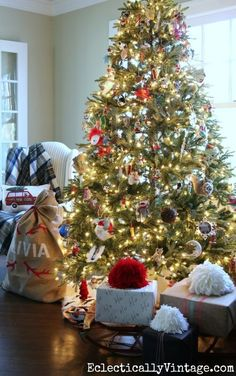 How To Decorate The Perfect Christmas Tree Everyday Hostess Pinterest Decorating And Decor