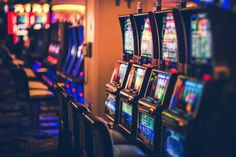 Slot is one such game that is liked and played by many casino video game lovers. playing casino slot video games online can be frightening at first, Las Vegas, Vegas Casino, Casino Night, Casino Cruise, Win Casino, Jack O'connell, Funny Videos, Videos Fun, Funny Memes