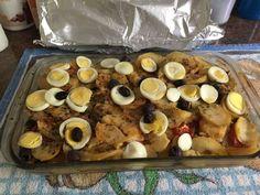 Bacalhau com ovos e um pouco de batata para essa Páscoa! . Feliz páscoa! . #senhortanquinho #paleo #paleobrasil #primal #lowcarb #lchf #semgluten #semlactose #cetogenica #keto #atkins #dieta #emagrecer #vidalowcarb #paleobr #comidadeverdade #saude #fit #fitness #estilodevida #lowcarbdieta #menoscarboidratos #baixocarbo #dietalchf #lchbrasil #dietalowcarb