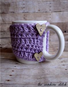 Super cute coffee mug warmer from The Sunshine Stitch!