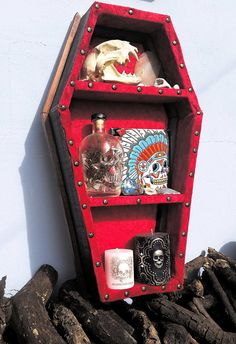 Don't you just need this for your collection of oddities? Awesome Coffin by LifeAfterDeathDesign