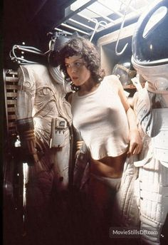 Sigourney Weaver as Ripley, Alien Alien 1979, Alien Film, Tv Movie, Sci Fi Movies, Pet Sematary, Science Fiction, Art Pulp, David Fincher, Movies And Series