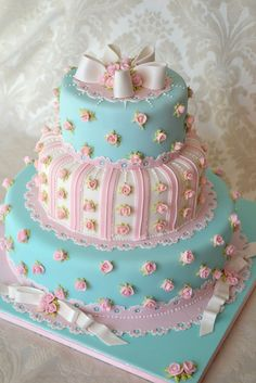 Deborah Hwang Cakes: Cath Kidston inspired wedding cake