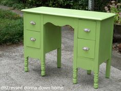 Distressed Donna Down Home: Citron Vanity