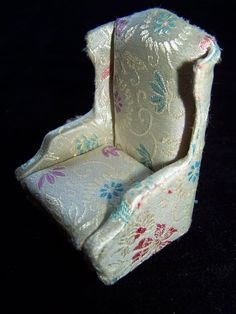 1964 IDEAL Petite Princess SALON WING CHAIR Cream Print Brocade Material NICE! #Ideal