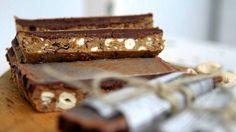Itse tehty suklaapatukka Bakery, Paleo, Sweets, Candy, Chocolate, Desserts, Food, Kitchen, Tailgate Desserts