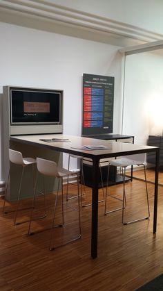 Mesa línea MORE, modelo FRAME MORE Showroom, Barcelona, Furniture, Home Decor, Model, Offices, Mesas, Decoration Home, Room Decor