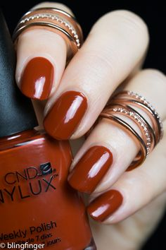 *press sample CND Vinylux Brick Knit from the Craft Culture Collection is a perfect fall shade. It's a rusty brown toned orange/red with a great formula. It's very pigmented and a one coater even if I prefer to use two.