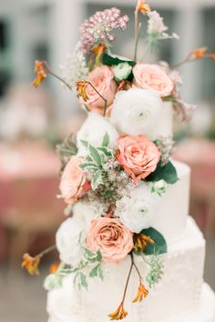 Beautiful floral cake from Esther + Kile Graves English Garden-Inspired I Dos. Wedding Engagement, Wedding Day, Floral Cake, Beautiful Wedding Cakes, Wedding Desserts, Amazing Cakes, Garden Wedding, Proposal, Floral Wedding