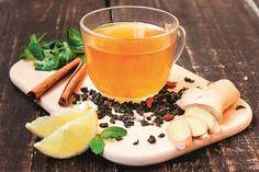 Conheça o poder emagrecedor da água morna de gengibre com limão e canela. Descubra como preparar e consumir essa bebida para secar mais de 30 quilos.