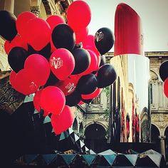 #black #red #lipstick #rossetto #redlips #woman #art #milano #statalemilano #fuorisalone #ballons #makeup #installazioni #details