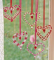 Crafts to do with Liz Beaded Hearts - yarn, pipe cleaners, clear/pink/white beads