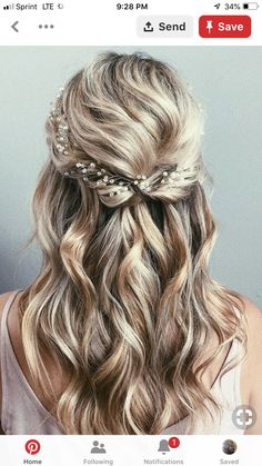 Wedding Hair Down 42 Half-Up Wedding Hair Ideas That Will Make Guests Swoon On Your Big Day - Half-up hair is the perfect style for a relaxed wedding look. Bridal Hair Half Up Half Down, Half Up Wedding Hair, Wedding Hairstyles Half Up Half Down, Wedding Hairstyles For Long Hair, Wedding Hair And Makeup, Hair Ideas For Wedding Guest, Wedding Ideas, Hair For Prom, Bridal Hair Half Up Medium