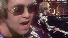 """24-Year-Old Elton John Plays """"Tiny Dancer"""" For The First Time, And It's Pure Magic"""
