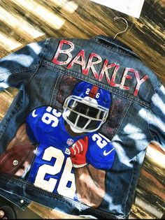 Custom painted football player denim jacket – My Friends Page Football Jackets, Football Outfits, Painted Denim Jacket, Painted Jeans, Boyfriend Football Shirts, Basketball Girlfriend, Celebrity Casual Outfits, Custom Football, Football Players