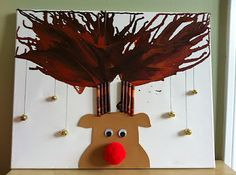 Rudolph Melted Crayon Antlers - hang this canvas on your wall during the #Christmas season. #tutorial