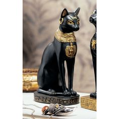 Design Toscano Egyptian Cat Goddess Bastet with Earrings Figurine