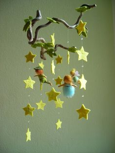 Reminds me of the Peter Pan and La Luna (Disney/Pixar) short Mobiles, Biscuit, Felt Mobile, Never Grow Up, Woodland Theme, Disney Crafts, Felt Art, Nursery Themes, Diy Projects To Try