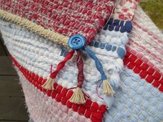 Åmotshage vävhus: Sommarmattor till utställningarna! 4th Of July Wreath, Straw Bag, Weaving, Rugs, Decor, Fabrics, Closure Weave, Decoration, Types Of Rugs
