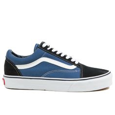 The Old Skool isn't named that because it's high tech and brand new. This Old Skool from Vans Shoes has been around from the beginning, and we think it still deserves a spot on our wall. #skateboardingoutfits
