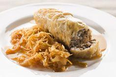 Slovene Sarma-stuffed cabbage rolls Klasična in priljubljena zimska jed. Cabbage Rolls, Russian Recipes, Aesthetic Food, Pulled Pork, Cheesesteak, Sandwiches, Spaghetti, Homemade, Meat