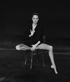 Angelina Jolie Poses for Peter Lindbergh in WSJ. Magazine Angelina Jolie Pose for WSJ Magazine Novem Peter Lindbergh, Black And White Portraits, Black And White Photography, Wall Street Journal Magazine, Portrait Photography, Fashion Photography, Glamour Photography, Lifestyle Photography, Editorial Photography