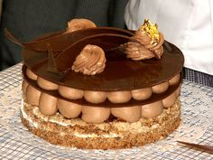 Called Heavenly Chocolate and it is_French Pastries and 10 Top Patisseries in Paris French Patisserie, French Bakery, French Pastries, Chocolate Pastry, Chocolate Recipes, Chocolate Cakes, Cake Recipes, Dessert Recipes, Pastry Board