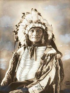 Chief Goes To War (Zuya Hiyaye). Sicangu Lakota. ca. 1898. Photo by F.A. Rinehart.