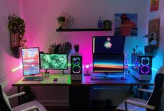 We gave up our dining room for this his and hers gaming area Best Pc Setup, Best Gaming Setup, Gaming Room Setup, Computer Setup, Office Setup, Desk Setup, Gaming Desk Set, Duel Game, Game Room Design