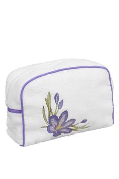 Praktická kozmetická taštička BLOSSOM z česanej 100% bavlny ochráni všetko, čo do nej uložíte, a to vďaka gumovej fólii. Tá je vo vnútri a zabraňuje presiaknutiu.