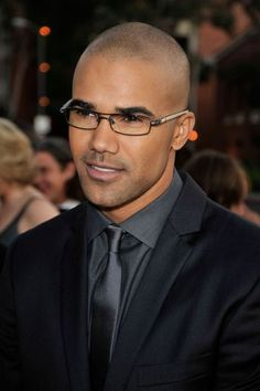 Shemar Moore...SIGH...I'm a sucker for the Clark Kent look. Let's face it. I'm a sucker for Shemar Moor!