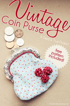 Vintage Coin Purse Tutorial and Pattern.I can't tell you how much I LOVE this coin purse style! Coin Purse Tutorial, Pouch Tutorial, Sewing Patterns Free, Free Sewing, Free Pattern, Purse Patterns, Pattern Sewing, Quilting Patterns, Sewing Hacks