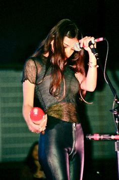 Hope Sandoval - Mazzy Star...yowzas those pants!