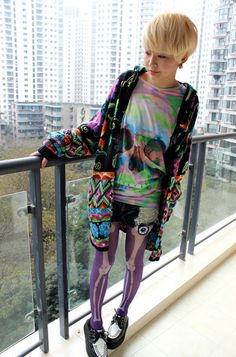 Japanese Street Fashion - Love her colorful skulls and bones outfit