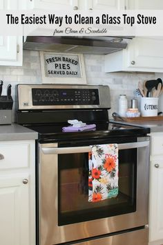 This is a quick and easy way to get those glass top stove sparkling! // cleanandscentsible.com