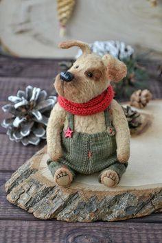 Dog Effie by SiberianTeddyBear by Olga Andryushenko on Tedsby Crochet Teddy, Crochet Bear, Needle Felted Animals, Felt Animals, Needle Felting Tutorials, Clay Tutorials, Teddy Toys, Felt Dogs, Cute Teddy Bears