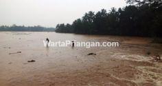 Daerah yang terkena banjir bandang. (foto: baehaki efendi/wp)