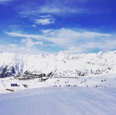 Das war doch wieder ein traumhafter #skitag heute oder ?? Allen ein schönes Wochenende  #kuhstallischgl #sporthotelsilvretta #relaxifyoucan #apresski #sonne #glühwein #bier #gaudi