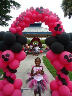 Minnie Arch Balloon Decorations