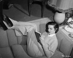 Jane Russell reads.