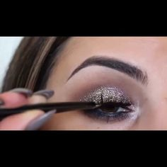 Gorgeous tutorial by @MakeupBySharona Song: My Gun by. Tove Lo