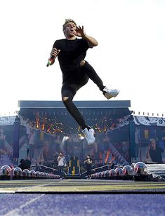 Niall floating in mid-air!