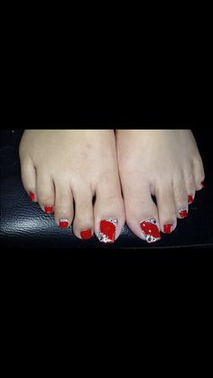 Pretty Toe Nails, Cute Toe Nails, Love Nails, Cute Pedicure Designs, Diy Nail Designs, Shellac Nail Colors, Shellac Nails, Pedicure Nail Art, Toe Nail Art