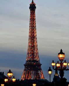 Evening in Paris! Oh how I'd love to spend an evening in Paris! Torre Eiffel Paris, Paris Eiffel Tower, Eiffel Towers, Paris 3, Paris Love, Paris 2015, Montmartre Paris, Paris Travel, France Travel