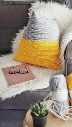 crochet, photography, Free Pattern, crochet pillow, geometric pillow, crochet blog