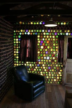 Joshua Tree Rental bottle house (How To Build A Shed On Concrete) Bottle House, Bottle Wall, Earthship Home, Small Woodworking Projects, Earth Homes, Bottle Crafts, Architecture, Glass Bottles, Design Case