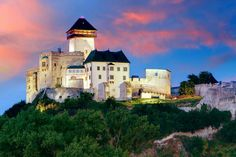 Slovakia Castle - Trencin at sunrise Central And Eastern Europe, In The Zoo, Big Country, Architecture Old, Bratislava, Capital City, Czech Republic, Old Buildings, Prague