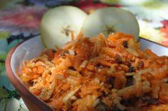 Ensalada de manzana, zanahoria y nueces RECETA aquí: http://www.asopaipas.com/2013/01/ensalada-de-zanahoria-manzana-y-nueces.html